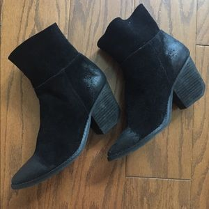 Aldo ankle suede  booties